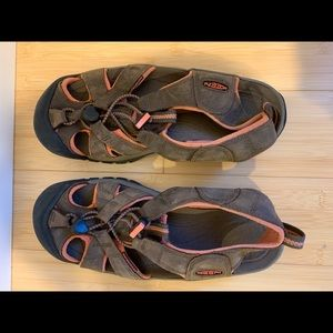 Keen Women's Sandals Like New!!!